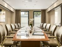 Hilton-the-hague-boardroom-spotlisting